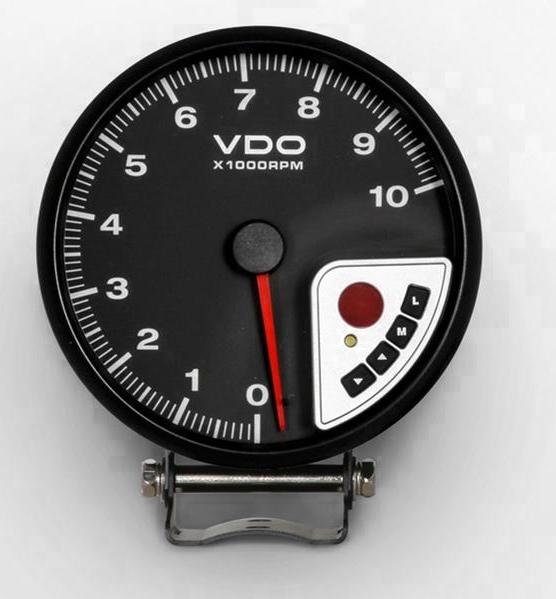 VDO fordulatszámmérő váltásjelző lámpával